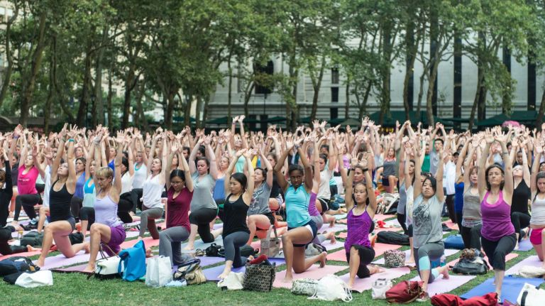 Free yoga class at Bryant Park.