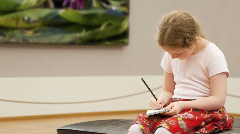 Tips for bringing your kids to an art museum