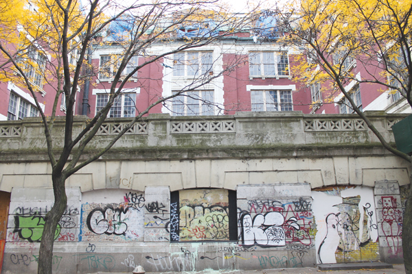 "Developer Gregg Singer said his plan is to open up this wall on the E. 10th St. side of the old P.S. 64 with windows, which would ""add life to the street.""   Photo by Lincoln Anderson"